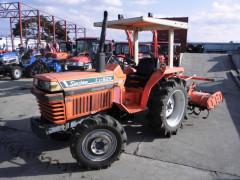 Used farm tractor Kubota L1-R24