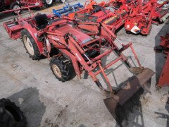 Used farm tractor Mitsubishi MT24 4WD 24HP Front Loader