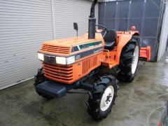 Used farm tractor Kubota L1-33 4WD 33HP