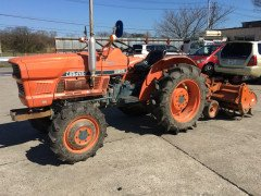 KUBOTA TRACTOR L2601DT 4WD.