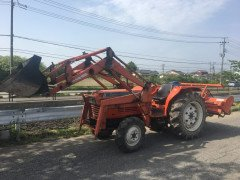USED KUBOTA SUN SHINE TRACTOR  L1-345 WHITH FRONT LOADER