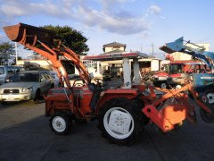 Used farm tractor Kubota L1-225 4WD 22HP with front loader