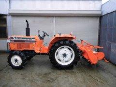 Used farm tractor Kubota L1-33 4WD 33HP